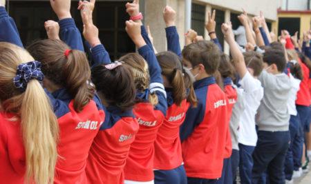 El uniforme Spínola del colegio Cardenal Spínola de Huelva